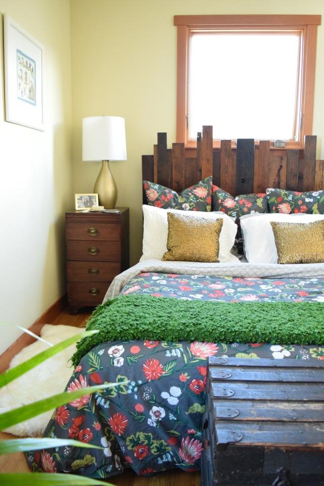Gold Bedroom Lamps   Land of Laurel