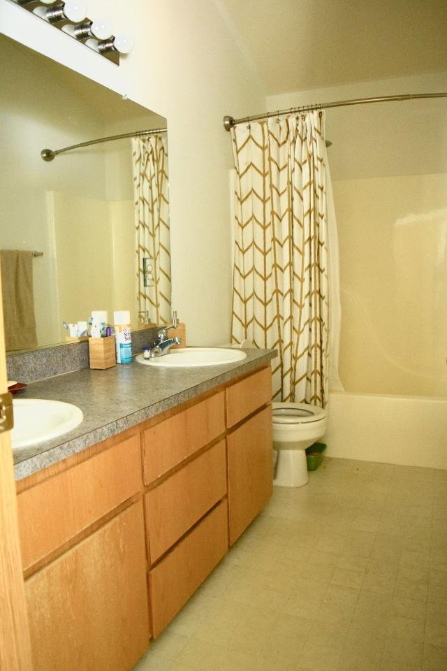 Bathroom | Land of Laurel