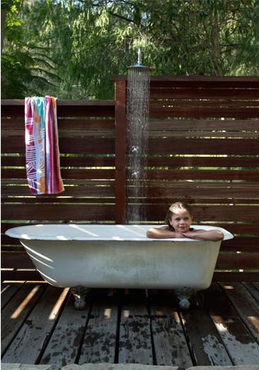 Outdoor Bathtub | Land of Laurel